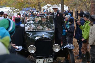 Brudparet drar på bröllopsresa.